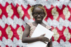 blog-moneytrans-dia-de-la-alfabetizacion-inmigrantes-niña