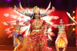 navrati-dusshera-girls-colour-dress-moneytrans-blog